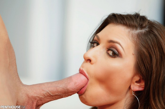 Victoria Lawson Sucking A Cock